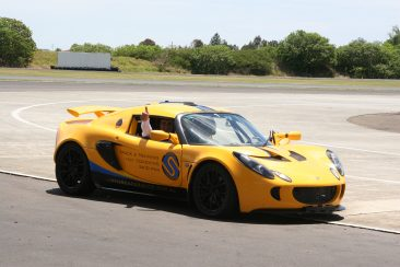 K & G Automotive Lotus Driving Experience Shlomi - Thumbs Up